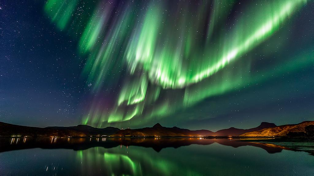 aurora_surprise_by_torivarn-d6qsuny
